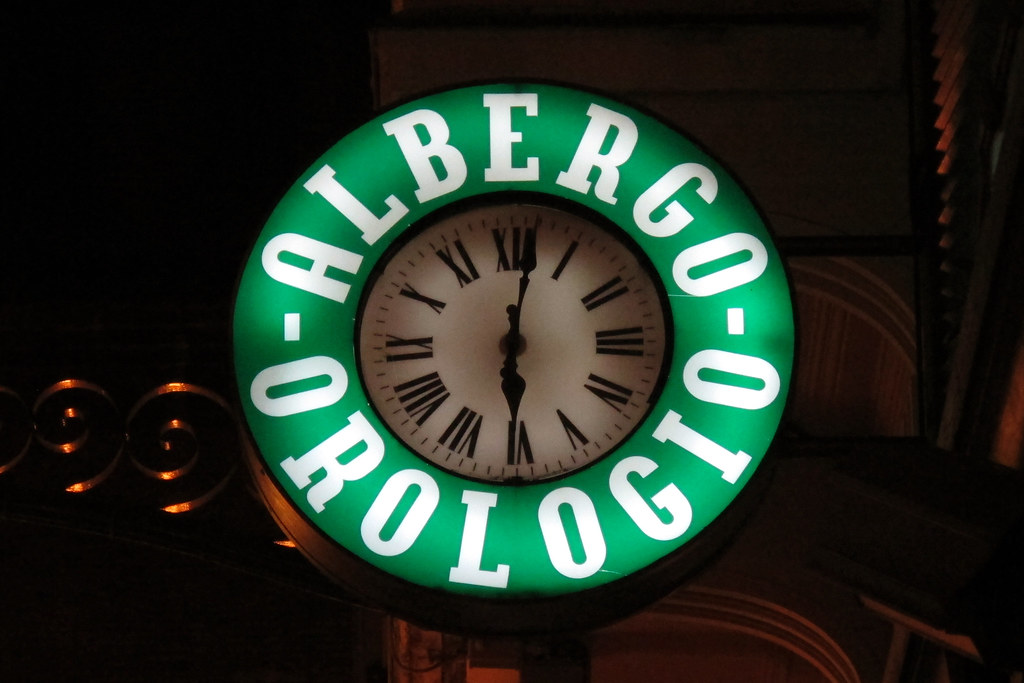 The world 39 s newest photos of rellotges flickr hive mind for Albergo orologio bologna