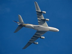 Singapore Whale (Deepgreen2009) Tags: giant climb singapore heathrow low surrey whale airliner nickname airbusa380