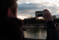 Selfie (Digital-Fragrance) Tags: leica color 35mm garden system m ii m8 luxembourg asph nokton jardins voigtlnder f12 iphone selfie