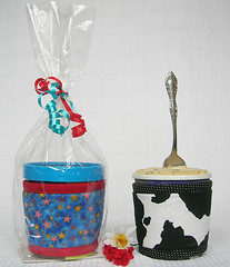 Kream Koll gift opened pint_96 (KozeeLady) Tags: travel blue white black hot cold green cup water beer coffee cookies fruit brewing ceramic stars recipe tin glasses cow milk cozy wine bottles tea juice chocolate go beverage ale wrap frenchpress frosty plastic gifts hide cap starbucks cover drinks icecream gelato takeout mug teapot iced soda soy cans cocoa warmers sherbet pint smoothies pastries sleeve thermal herbal chai sorbet cosy lid carafe ecofriendly companions shakes recyclable tumbler insulated cosie thinsulate tisane koffeekompanions cafertiere