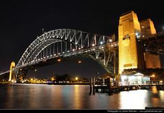 Harbour Bridge @ Night, Sydney, Australia (JH_1982) Tags: new bridge light luz wales night dark puente lights noche glow darkness nacht harbour lumire south sydney australia ponte nsw glowing australien nuit notte dunkel beleuchtung baa australie  kirribilli baha    beleuchtet leuchten      cu   cng      sdney