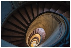Scala a Chiocciola / Vignola (Dionys DellaLuce) Tags: stairs italia scala escalier italie vignola émilieromagne palazzobarozzi