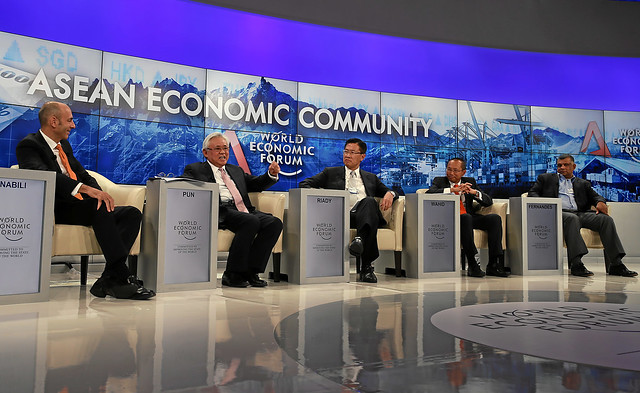 Creating the ASEAN Economic Community: Overview