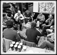 """Celtic Jams #2 (""""SnapDecisions"""" photography) Tags: bw music irish ny beer bar guinness celtic nyack violins odonoghues ods"""