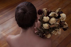 Lche prise (Galle Allgre) Tags: selfportrait self photography nude bouquet roses alone intimacy woman body bunch