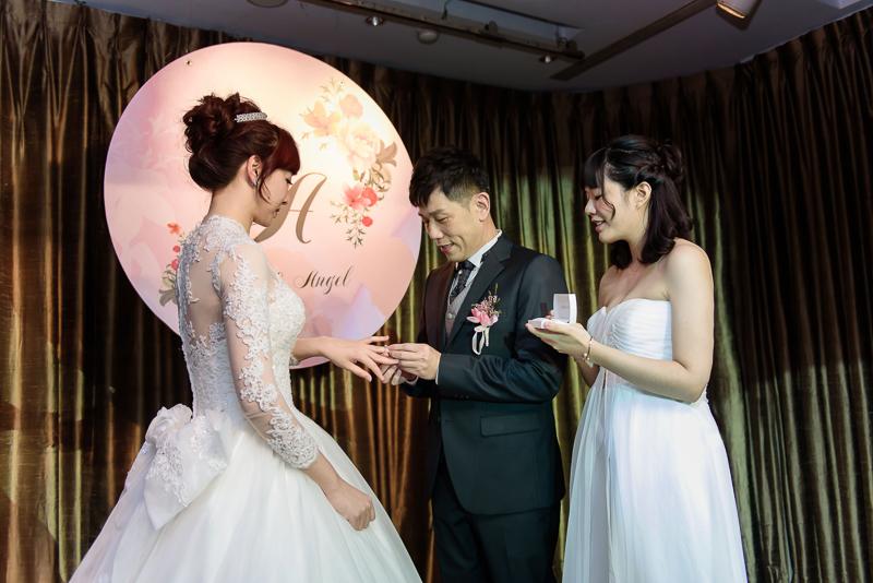 國賓婚攝,台北國賓,國賓飯店婚宴,新秘Miko ,婚攝小勇,台北婚攝, 愛瑞思新娘秘書造型團隊,西敏英國手工婚紗,小寶工作室-042