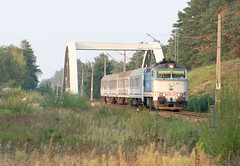 The Hacza Express train on its way from Suwaki to Krakow (roomman) Tags: 2016 poland podlasie podlachia region east express train intercity inter city diesel engine cd czech rent rented fast slow tlk pkp pkpintercity route track trains transport transportation 754 class 026 754026 hacza suwaki warszawa krakow north west south across bridge overpass head heading near wasilkow rail rails railway nature landscape biaystok bialystok taucherbrille goggle goggles