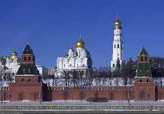 (Moscow Kremlin) (Nickolas Titkov) Tags:    canoneos1markii canonef2870mmf28lusm       1               russia moscow winter kremlin sofiyskayaembankment cathedralofthearchange arkhangelskycathedral taininskayatower firstbezymjannayatower firstnamelesstower cathedraloftheannunciation wall bricks belltower ivanthegreatbelltowe religion ortodox dome cross sky blue retouch
