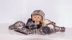 Watch Danbo (xgjallarhornx) Tags: white home canon focus time watch boring clear tamron nahaufnahme collector zeit karton uhr sammlung danbo uhren tamron1750 danboo eos700d