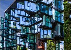 Rennes - Immeuble Jean Nouvel (Hervé Marchand) Tags: windows architecture construction bretagne menatwork rennes fenetre verre urbain jeannouvel flickrmettre