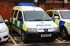 Warwickshire Police Peugeot Expert Station Van (PFB-999) Tags: station cell police cage vehicle leds van beacons peugeot warwickshire grilles coleshill expert unit lightbar warks rotators fendoffs stagtion bx56bzk