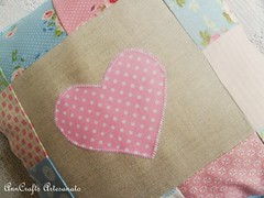 Almofada Corao II (AnnCrafts Artesanato) Tags: heart linen amor pillow corao patchwork tilda decorao almofada linho