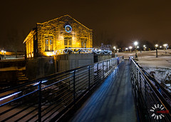 IMG_4517.jpg (kendra kpk) Tags: christmas winter snow cold ice southdakota canon lights waterfall downtown christmasdecoration siouxfalls citypark fallspark 2014 minnehahacounty dakotawindsphotography dakotawindsphotocom kendraperrykoski