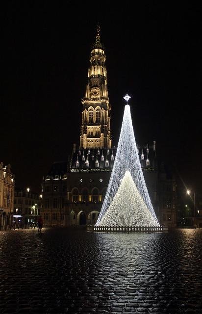 Arbre Noël, Place des Héros, Arras, Pas-de-Calais, France