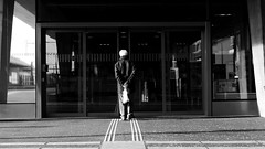 Sesam, ffne Dich!  G6 Leica Summilux DG 25mm 1.4 (Swiss.piton (B H & S C)) Tags: leica blackandwhite photography schweiz switzerland blackwhite suisse noiretblanc streetphotography panasonic biancoenero noiretblance beautifulshot schwarzundweiss shotforfun justmeandmycamera sesamffnedich ibringmycameraeverywhere panasoniclumixlovers dmcg6 streetphotographymagazine lumixdmcg6 swissamateurphotographers leicalumix25mm14 ilovemym43 schweizerphotographen photographym43micro