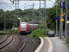 Abschied (onnola) Tags: station train germany deutschland 1 track platform eisenbahn zug bahnhof db stadtmitte deutschebahn bahn koblenz bahnsteig rheinlandpfalz schiene gleis regionalexpress rhinelandpalatinate regionaltrain