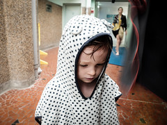 DSCF8087 (PierrickHunter) Tags: city shower kid child bordeaux tired piscine x30 swimingpool