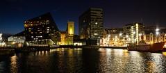 La luz que nos gua (Jesus_l) Tags: inglaterra liverpool noche europa albertdock jessl
