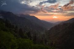 Morton Overlook (Frank Kehren) Tags: sunset mountains clouds canon overlook f11 24105 greatsmokymountainsnationalpark ef24105mmf4lisusm mortonoverlook canoneos1dx