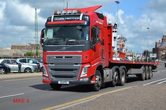 Volvo FH4 'RTH Lubbers' reg X5 RTH (erfmike51) Tags: lorry artic flatbedtrailer euro6 rthlubbers volvofh4