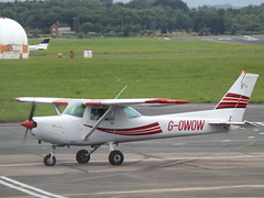 G-OWOW Cessna 152 (Aircaft @ Gloucestershire Airport By James) Tags: james airport gloucestershire cessna lloyds 152 egbj gowow