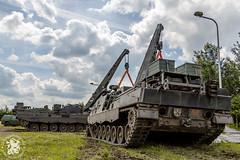 Buffels zetten Leopard 1 op wagon