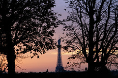 Paris will be always Paris (Miah 91) Tags: sunset paris france canon soleil europe tour pyramid louvre coucher eiffel muse pyramide eos100d