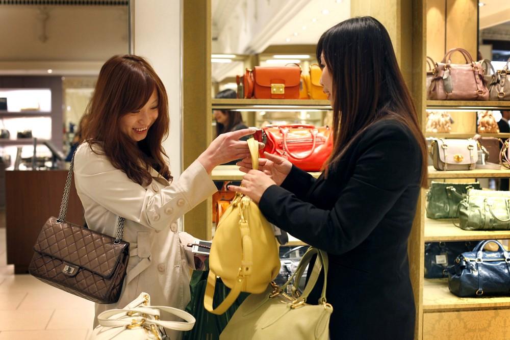 mua sắm khi du lịch