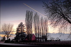 Vol de Nuit (Clydomatic) Tags: soleil ciel paysage maison arbre avion