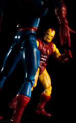 faceoff-005.jpg (3spr3ssO) Tags: toys spiderman ironman ocf marvel 2lights d40x sb700 sb910