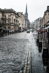 Edinburgh Rainy Day - Bleached.jpg (TomTam1) Tags: city scotland nikon edinburgh nik raining d80 colorefex