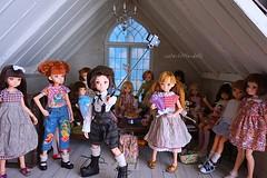 Selfie Time🎵 (cute-little-dolls) Tags: friends toy dollhouse selfie ruruko rurukodoll