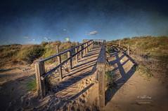 (157/16) La vuelta (Pablo Arias) Tags: pabloarias espaa spain hdr photomatix nx2 photoshop nubes texturas cielo playa losenebrales puntaumbra huelva andaluca arena travesa