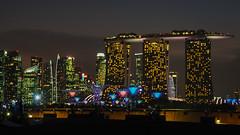Illuminated (elenaleong) Tags: twilight singapore cityscape nightlights nightscape illuminations landmark nightfall mbs marinabarrage supertrees elenaleong