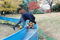 my little girlfriend-# (chant0m0) Tags: autumn film japan analog fuji olympus nagoya superia400 om1 mylittlegirlfriend