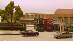 St Albans bus garage - architects Wallis, Gilbert & Partners (kingsway john) Tags: lndon transport bus garage country sa streamline moderne kingsway models 176 scale oo gauge londontransportmodel london model diorama miniature