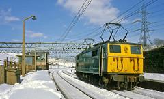 76035 buzzes through Dunford West (delticfan) Tags: woodhead electriclocomotive class76 76035 woodheadelectrics dunfordwest