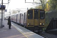 313045 Arrives at Alexandra Palace (TheJRB) Tags: uk england london station electric train transport rail railway trains alexandrapalace rails emu gn pep aap gtr unit 313 brel greatnorthern electricmultipleunit class313 313027 313045 2b56 goviathameslinkrailway