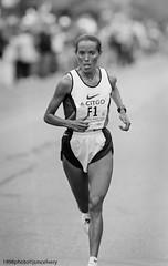 JSM_1006bm1998fatumaroba1jsm (JayEssEmm) Tags: blackandwhite bw boston marathon running run 1998 fatuma tmax400 tmy roba bostonmarathon mcelvery jsmcelvery fatumaroba