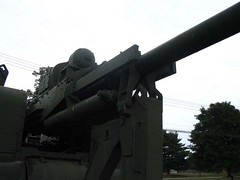 "US 90mm M2 Anti-Aircraft Gun 10 • <a style=""font-size:0.8em;"" href=""http://www.flickr.com/photos/81723459@N04/16145837536/"" target=""_blank"">View on Flickr</a>"