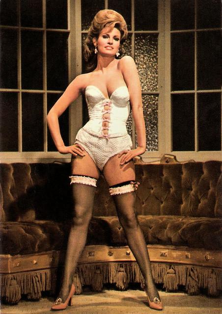 Raquel Welch in Le plus vieux métier du monde (1967)