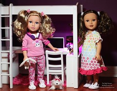 Journey Girls Kara Rose & Alana (thedollydreamer) Tags: bed dolls dolly alana limitededition exclusive toysrus 182 kararose setthe packgift dellaero journeygirls dreamerbridget