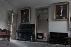 The Piano Room / La Habitacin del Piano (isaac_gmz) Tags: old urban dusty abandoned d decay piano rusty naturallight derelict urbex urbanexplorer