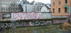 Line. (universaldilletant) Tags: graffiti poser frankfurt cl chicos locos sn lader calb €55 giesk