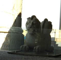 escultura Leon dos cabezas Persepolis Iran 09 (Rafael Gomez - http://micamara.es) Tags: world heritage la iran persia unesco escultura dos leon cabezas   persepolis  the irn perspolis humanidad patrimonio    ph399 worild