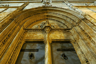 Illuminated main door - Lonja De La Seda (Silk Exchange) Canon PowerShot G7X