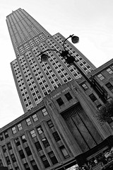 Empire State Building (diwan) Tags: city nyc newyorkcity bw usa white ny newyork black america skyscraper canon geotagged eos google place manhattan unitedstatesofamerica fisheye stadt northamerica empirestatebuilding metropolitain fifthavenue bigapple schwarz plugins 2010 lightroom wolkenkratzer weis vereinigtestaatenvonamerika canoneos450d silverefexpro2 nikcollection geo:lon=73984704 geo:lat=40748075