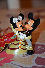 Figurine Mickey and Minnie Wedding (Girly Toys) Tags: minnie et mickey disney mouse souris collection figurine wedding figure mariage heart coeur ornement suspension missliliedolly miss lilie dolly aurelmistinguette