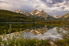 Reflecting on Stanley Lake (Phil's Pixels) Tags: reflections dawn earlymorning idaho stanley daybreak sawtoothmountains singleexposure stanleylake sawtoothnationalrecreationarea mtmcgown heythanksforlooking