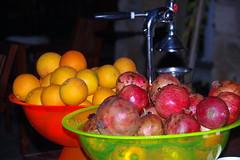 Fresh juice? (Antalya, Turkey) (armxesde) Tags: orange fruit turkey pentax pomegranate trkei antalya ricoh anatolia k3 anatolien anadolu granatapfel